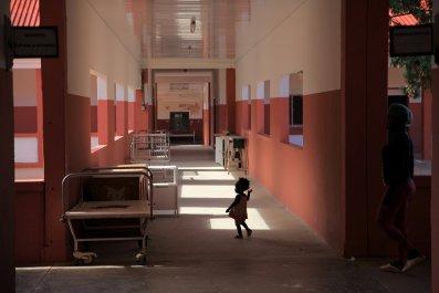 Angolan hospital poverty